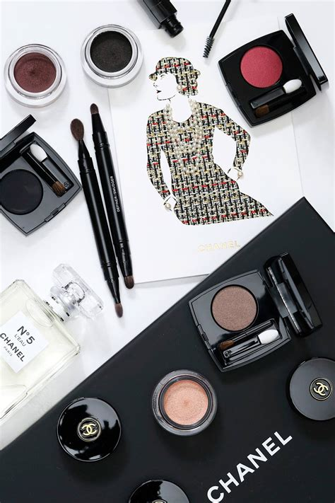 A Look at a Few Pieces From the Chanel Ombre Premiere Eyes