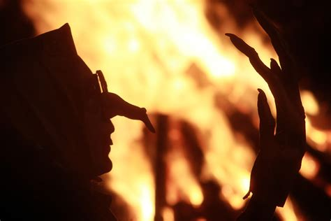 Were witches really burned at the stake in Salem