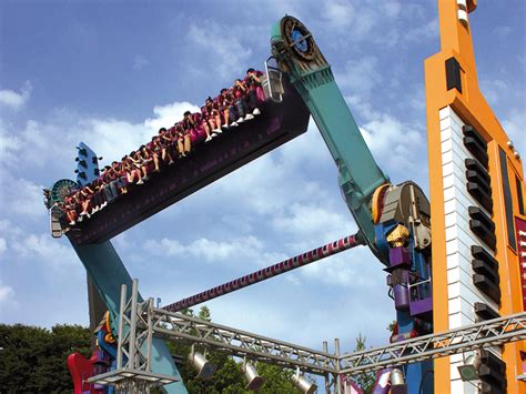 TOP SPIN® SUSPENDED   Huss Park Attractions